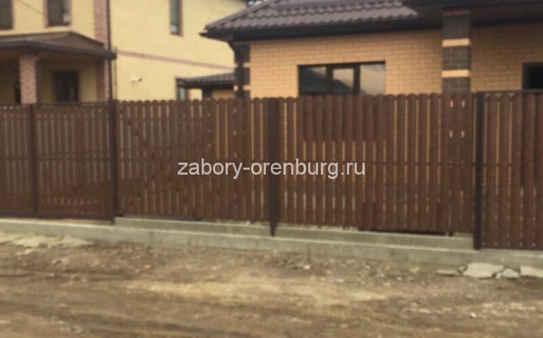 забор из евроштакетника для палисадника